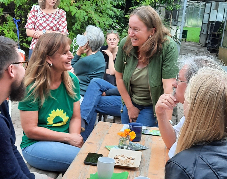 Meet and Greet mit der GRÜNEN Bundestagsabgeordneten Katja Keul auf dem Biohof Meese in Suthfeld (Nenndorf)